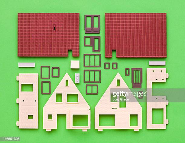 Plastic house model building kit
