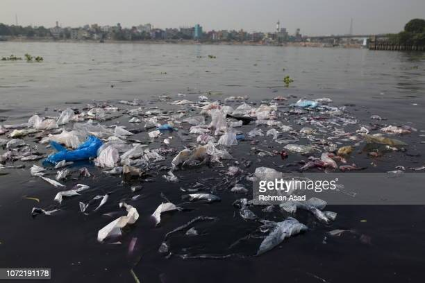 plastic pollution - water pollution stock pictures, royalty-free photos & images