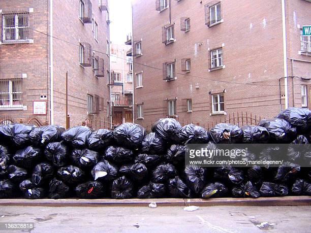plastic trash garbage bag - ゴミ袋 ストックフォトと画像