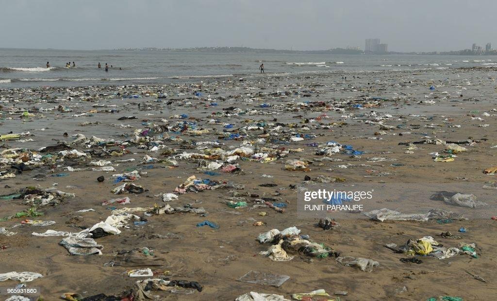 TOPSHOT-INDIA-ENVIRONMENT-POLLUTION : News Photo
