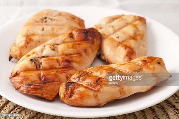 Placa de Peito de frango grelhado os filetes (filés