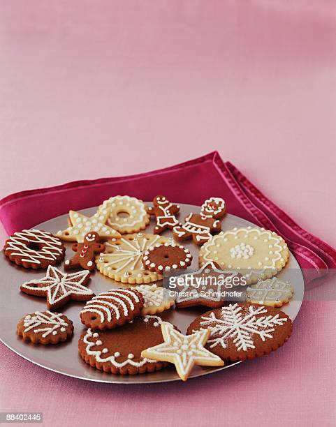 plate of holiday cookies - christina plate foto e immagini stock