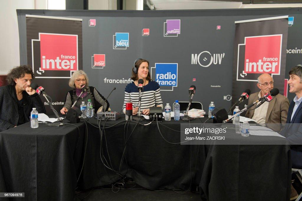 Plateau De La Station De Radio France Inter Pour Le Direct De