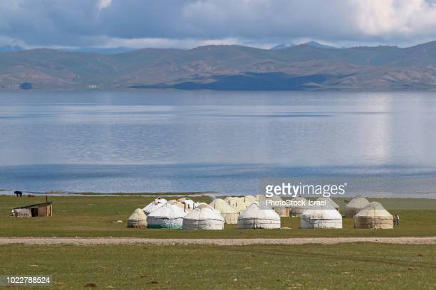 plateau landscape, kyrgyzstan - yurt stock pictures, royalty-free photos & images