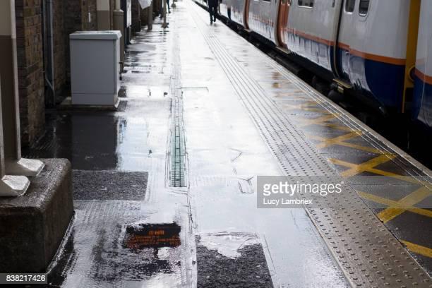 Platform at London Fields station