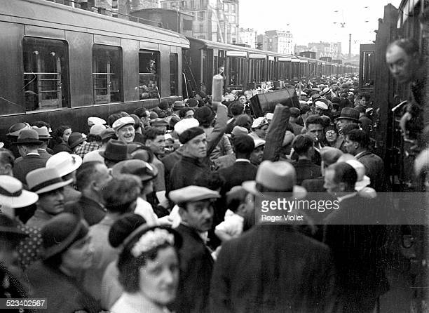 A platform at the Gare Montparnasse crowded with civilians leaving Paris ahead of the advancing German army May 1940 German forces arrived in Paris...