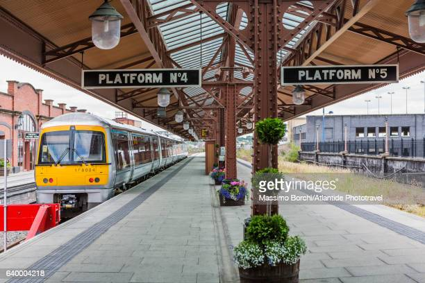 a platform of birmingham moor street station - west midlands stock pictures, royalty-free photos & images