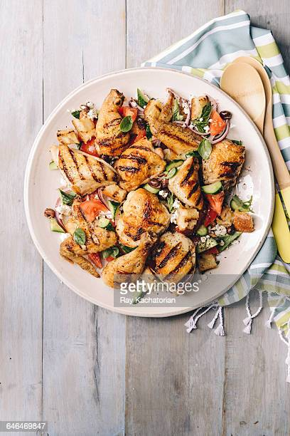 platter of grilled chicken - prato - fotografias e filmes do acervo