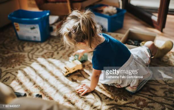 play - gender role fotografías e imágenes de stock