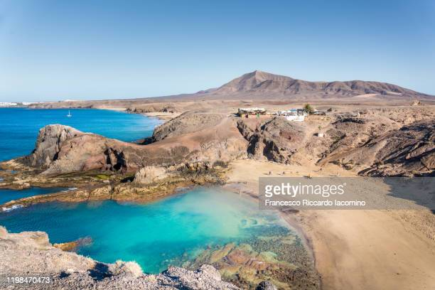 playa de papagayo, lanzarote, canary islands. no people in the morning light - lanzarote stock pictures, royalty-free photos & images