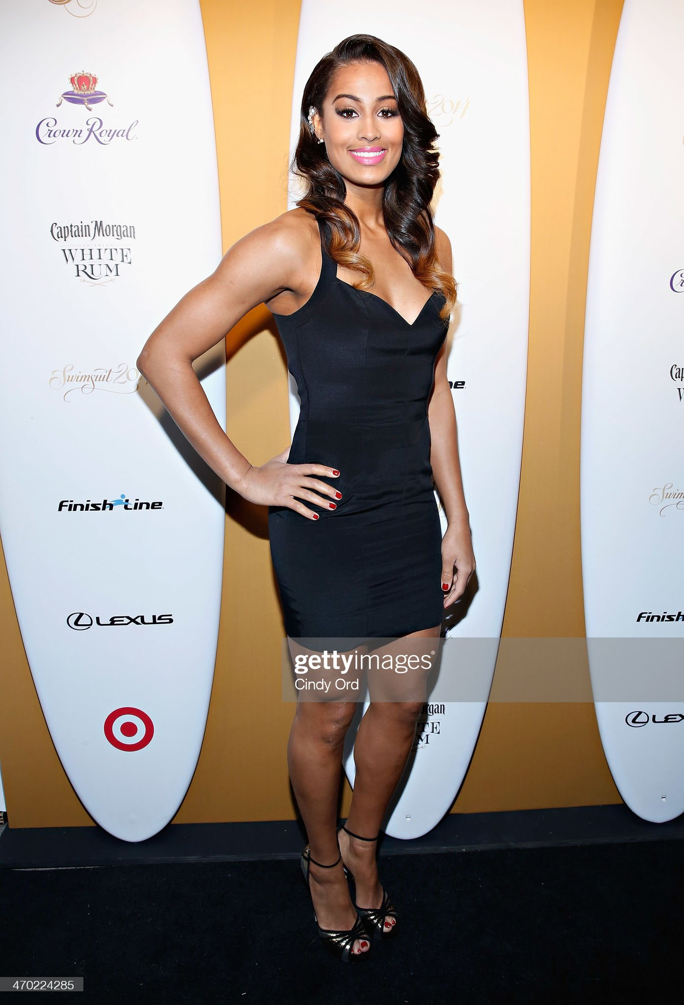 ¿Cuánto mide Skylar Diggins? - Real height Player-and-model-skylar-diggins-attends-as-captain-morgan-white-rum-picture-id470224285?s=2048x2048