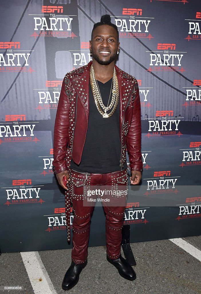 NFL player Antonio Brown attends ESPN The Party on February 5, 2016 in San Francisco, California.