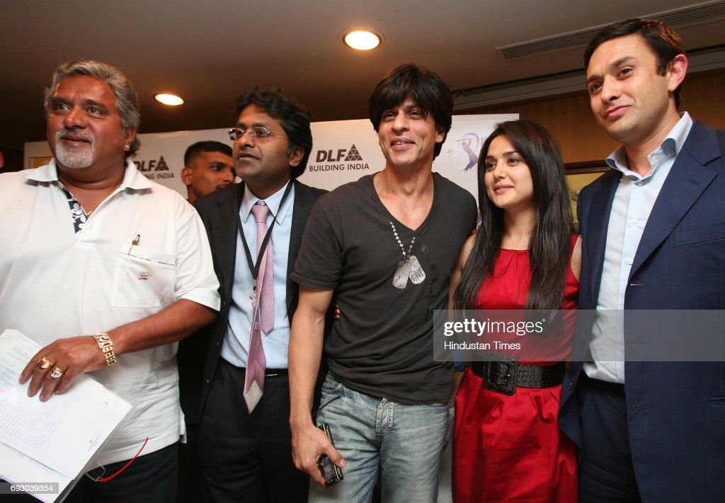 Player Auction Vijay Mallya Modi Shah Rukh Khan Priety Zinta and Ness Wadia pose for media after the IPL Players` auction at Hilton Towers on...