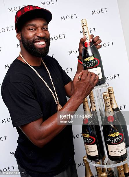 NBA player Baron Davis attends The Moet Suite at the US OPEN on September 9 2011 in New York City Moet Chandon is the official champagne sponsor of...