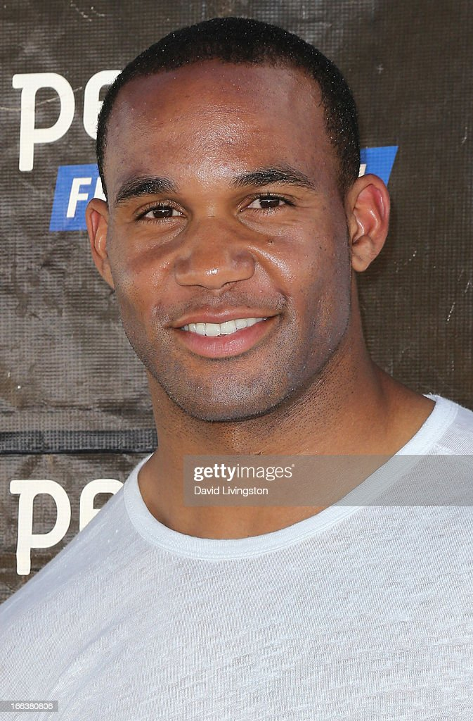 Player Bret Lockett attends peta2's 'Blankets for Shelters' drive at the Bob Barker Building on April 11, 2013 in Los Angeles, California.