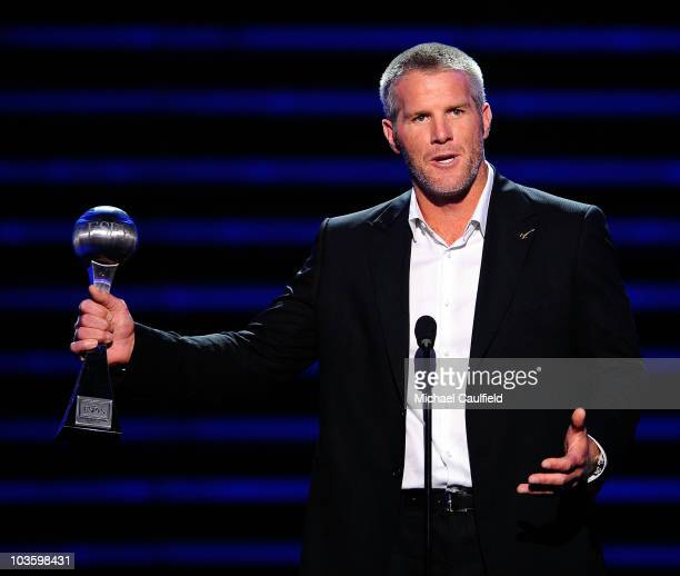 NHL player Brett Favre accepts the 'Best RecordBreaking Performance' onstage at the 2008 ESPY Awards held at NOKIA Theatre LA LIVE on July 16 2008 in...
