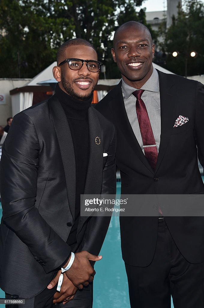 NBA player Chris Paul (L) and former NFL player Terrell Owens attend the Cedars-Sinai Sports Spectacular at W Los Angeles – West Beverly Hills on March 25, 2016 in Los Angeles, California.