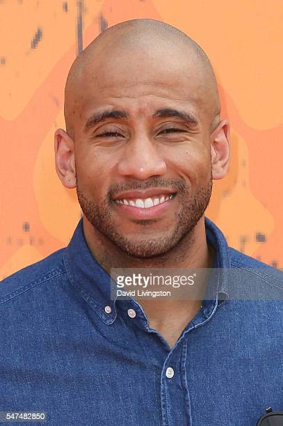NBA player Dahntay Jones arrives at the Nickelodeon Kids' Choice Sports Awards 2016 at the UCLA's Pauley Pavilion on July 14 2016 in Westwood...
