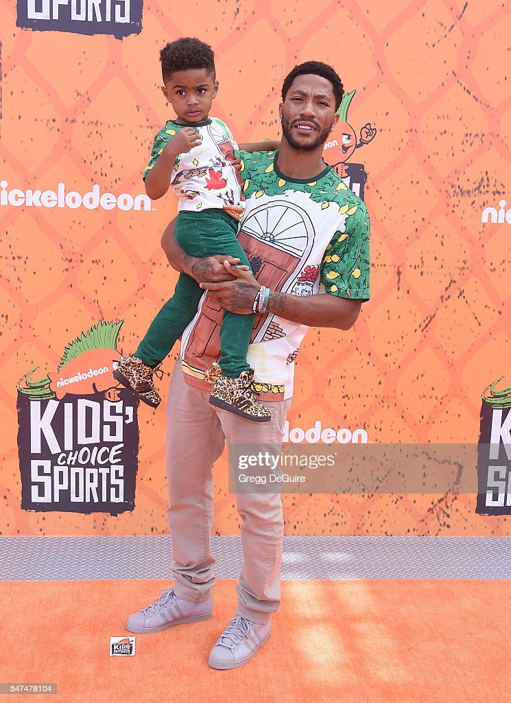 NBA player Derrick Rose arrives at Nickelodeon Kids' Choice Sports Awards 2016 at UCLA's Pauley Pavilion on July 14, 2016 in Westwood, California.