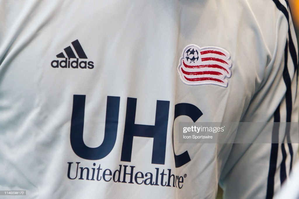 SOCCER: APR 27 MLS - New England Revolution at Sporting Kansas City : News Photo