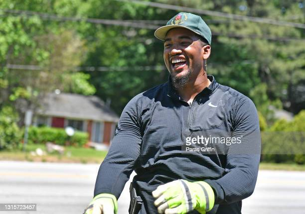 Player Eric Smith of the Dallas Cowboys attends Two's Eastside Clean Up with Naturi Naughton and Sinqua Walls on May 01, 2021 in Decatur, Georgia.