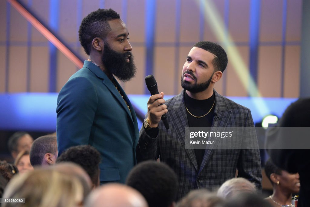 NBA player James Harden (L) speaks to host Drake during the 2017 NBA Awards Live on TNT on June 26, 2017 in New York, New York. 27111_002