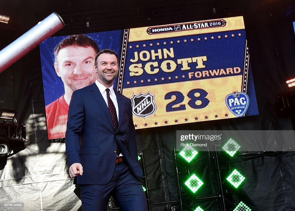 2016 NHL All-Star - Red Carpet