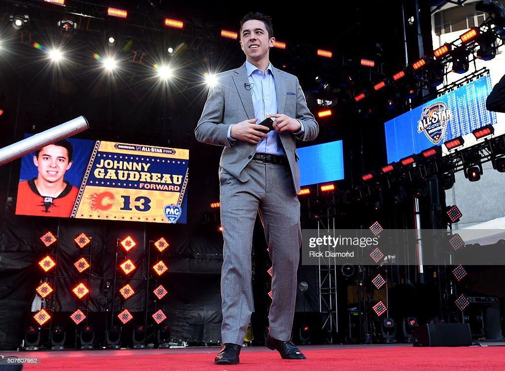 2016 NHL All-Star - Red Carpet : News Photo