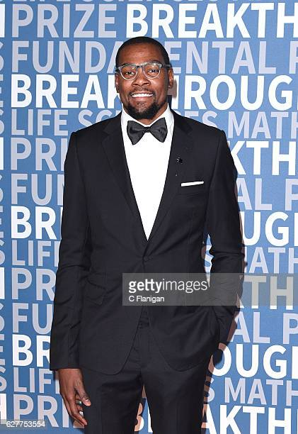 Player Kevin Durant attends the 2017 Breakthrough Prize at NASA Ames Research Center on December 4 2016 in Mountain View California