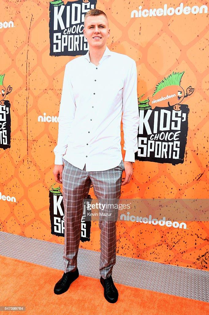 Nickelodeon Kids' Choice Sports Awards 2016 - Red Carpet : News Photo
