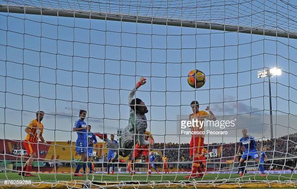 Player of Benevento Calcio Samuel Armenteros scores the 11 goal during the Serie A match between Benevento Calcio and US Sassuolo at Stadio Ciro...