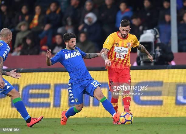 Player of Benevento Calcio Vittorio Parigini vies with US Sassuolo player Stefano Sensi during the Serie A match between Benevento Calcio and US...