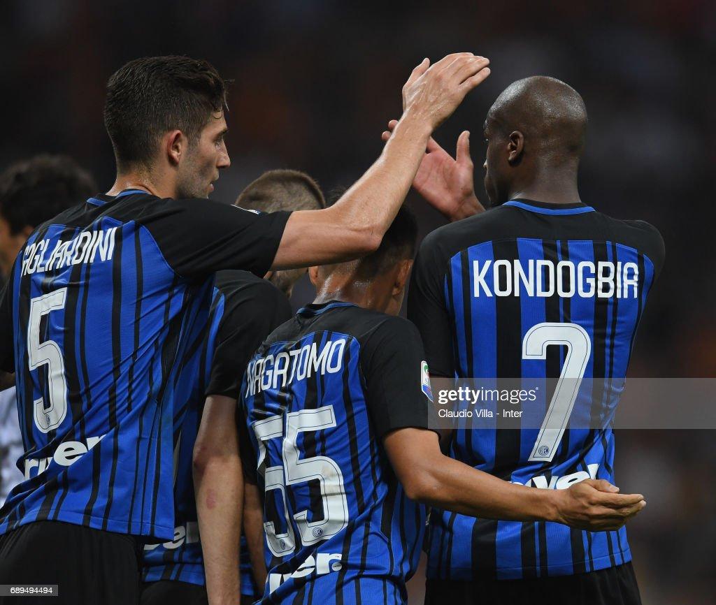 FC Internazionale v Udinese Calcio - Serie A : Fotografía de noticias