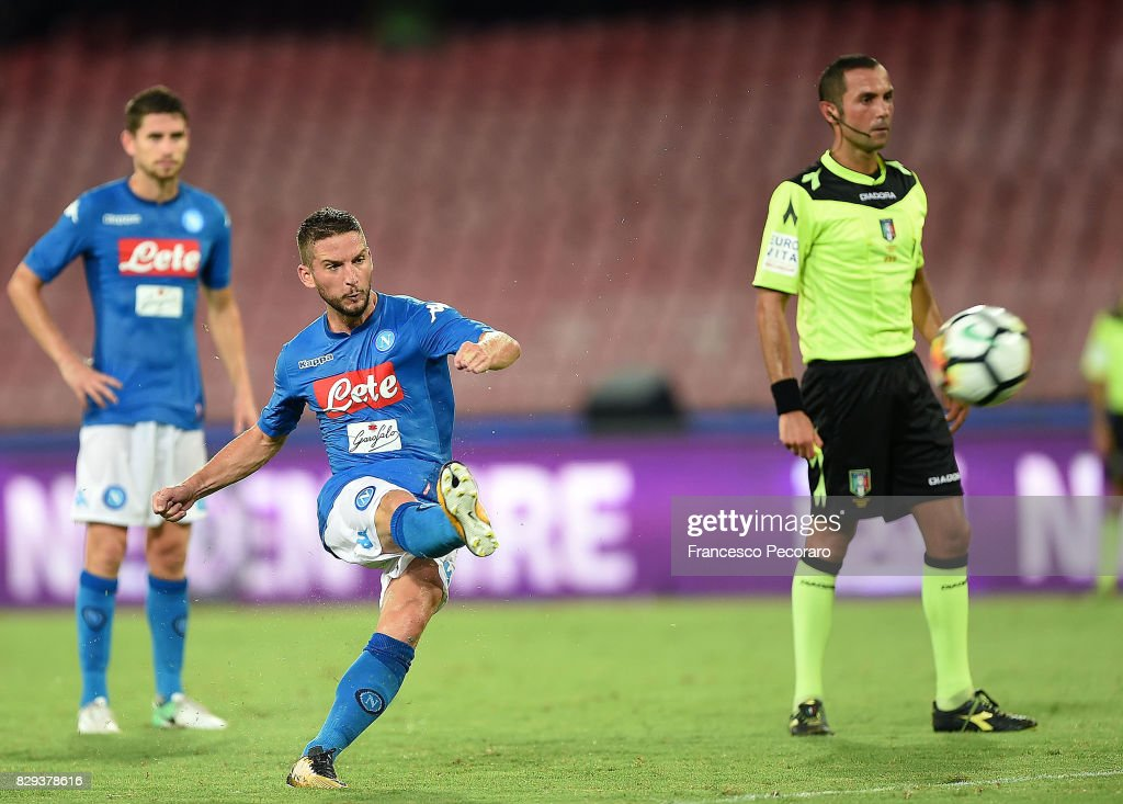 Player of SSC Napoli Dries Mertens scores the 1-0 goal during the pre-season friendly match between SSC Napoli and Espanyol at Stadio San Paolo on August 10, 2017 in Naples, Italy.