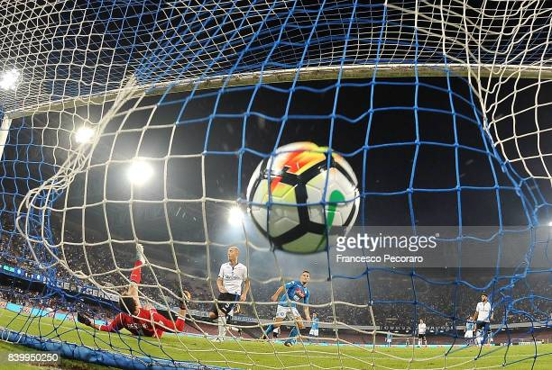Player of SSC Napoli Dries Mertens scores the 21 goal during the Serie A match between SSC Napoli and Atalanta BC at Stadio San Paolo on August 27...