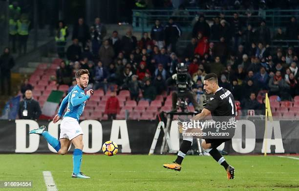 Player of SSC Napoli Dries Mertens scores the 41 goal during the serie A match between SSC Napoli and SS Lazio at Stadio San Paolo on February 10...