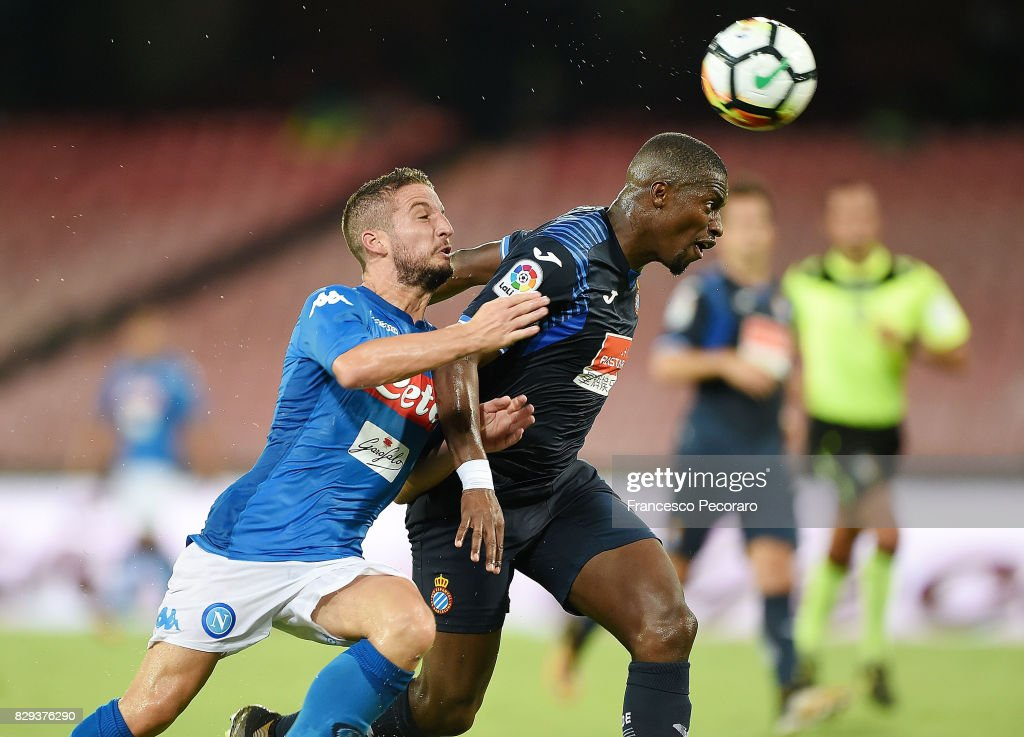 Player of SSC Napoli Dries Mertens vies with Espanyol player Papakouli Diop during the pre-season friendly match between SSC Napoli and Espanyol at Stadio San Paolo on August 10, 2017 in Naples, Italy.