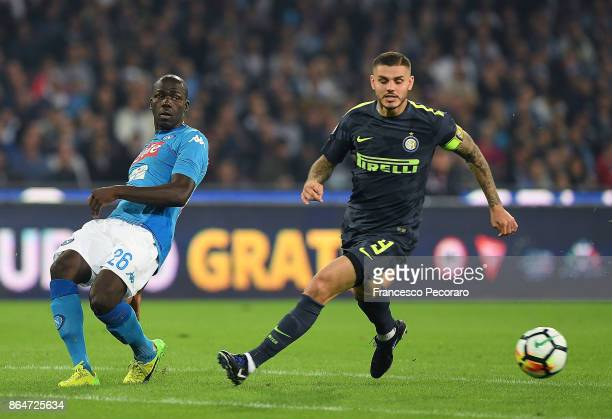Player of SSC Napoli Kalidou Koulibaly vies with FC Internazionale player Mauro Icardi during the Serie A match between SSC Napoli and FC...