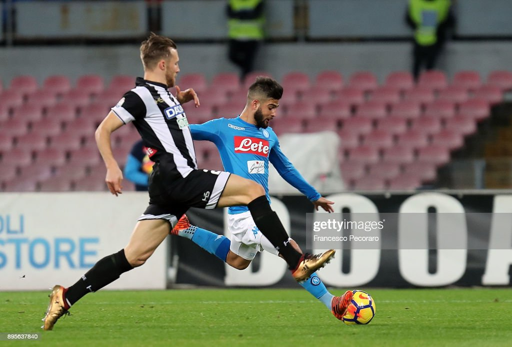 Player of SSC Napoli Lorenzo Insigne scores the 1-0 goal during the TIM Cup match between SSC Napoli and Udinese Calcio at Stadio San Paolo on December 19, 2017 in Naples, Italy.