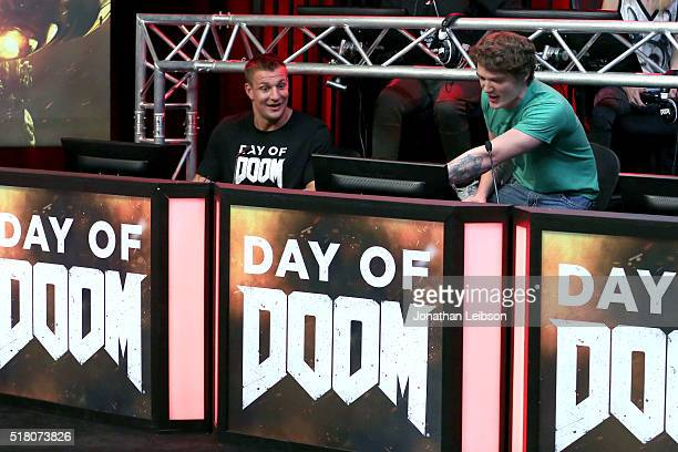 60 Top Athletes And Youtube Stars Team For Doom Videogame