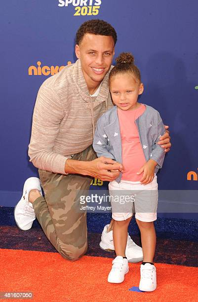 NBA player Stephen Curry and daughter Riley Curry arrive at the Nickelodeon Kids' Choice Sports Awards 2015 at UCLA's Pauley Pavilion on July 16 2015...