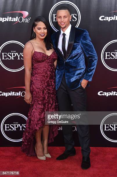 Player Stephen Curry and wife Ayesha Curry arrive at The 2016 ESPYS at Microsoft Theater on July 13, 2016 in Los Angeles, California.