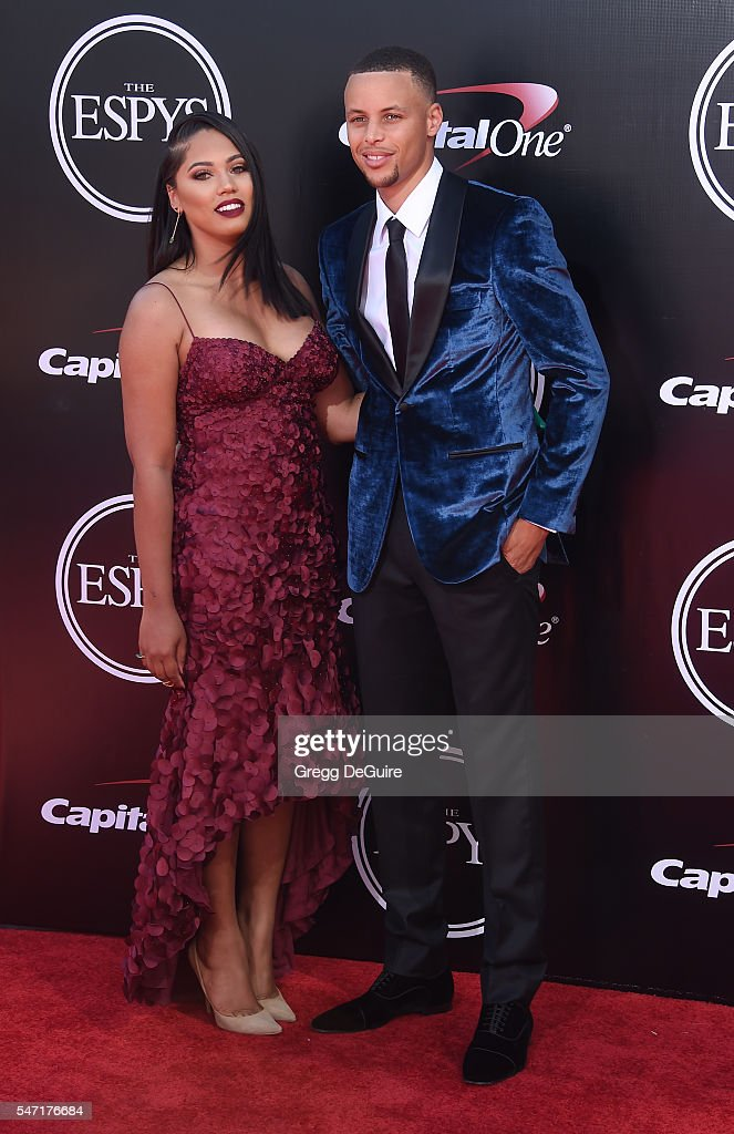 NBA player Stephen Curry and wife Ayesha Curry arrives at The 2016 ESPYS at Microsoft Theater on July 13, 2016 in Los Angeles, California.