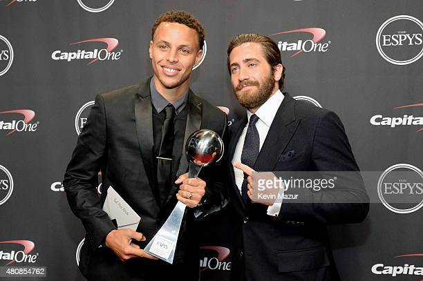 NBA player Stephen Curry with Actor Jake Gyllenhaal with the award for Best Male Athlete at The 2015 ESPYS at Microsoft Theater on July 15 2015 in...