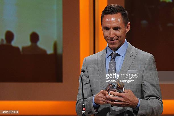 NBA player Steve Nash accepts the Spirit Award on stage at the 2014 Sports Spectacular Gala at the Hyatt Regency Century Plaza on May 18 2014 in...