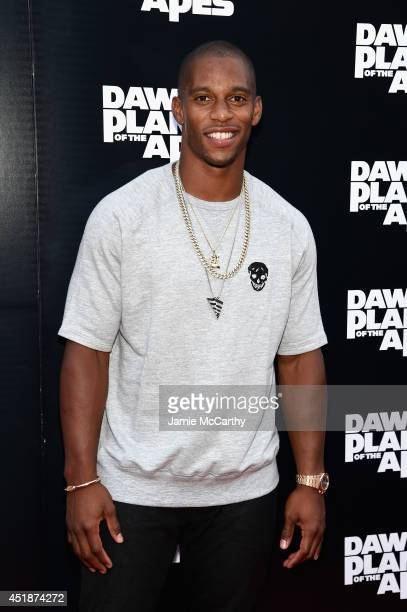 NFL player Victor Cruz attends the Dawn Of The Planets Of The Apes premiere at Williamsburg Cinemas on July 8 2014 in New York City