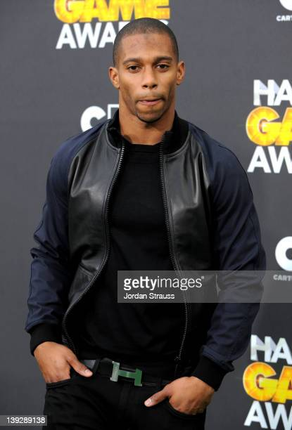 Player Victor Cruz of the New York Giants arrives at the 2012 Cartoon Network Hall of Game Awards at Barker Hangar on February 18, 2012 in Santa...