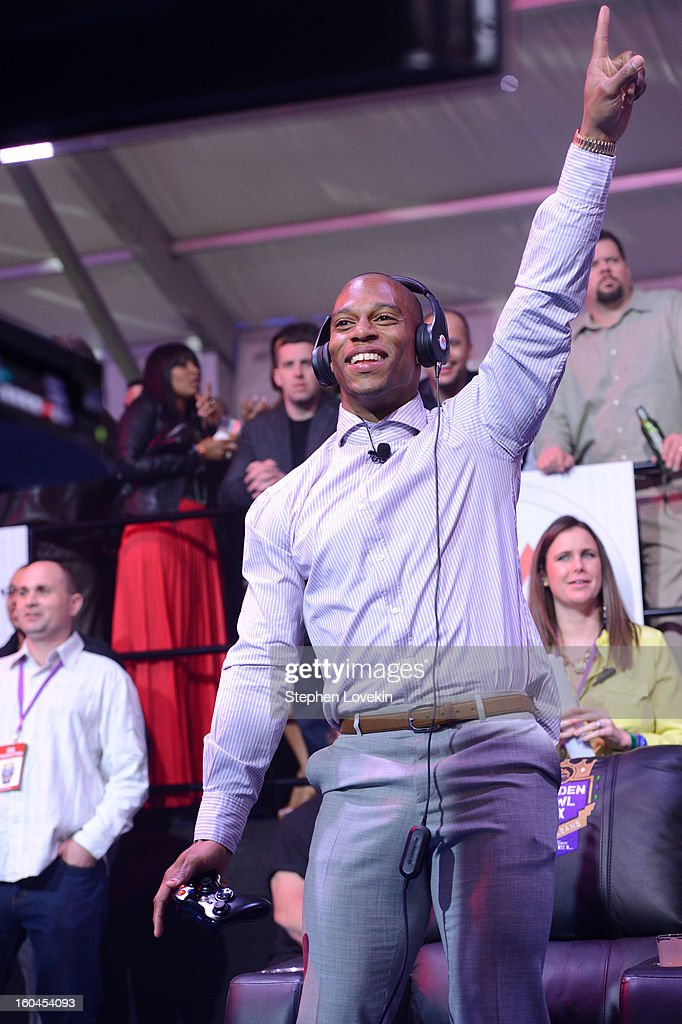 NFL player Victor Cruz of the New York Giants attends EA SPORTS Madden Bowl XIX at the Bud Light Hotel on January 31, 2013 in New Orleans, Louisiana.