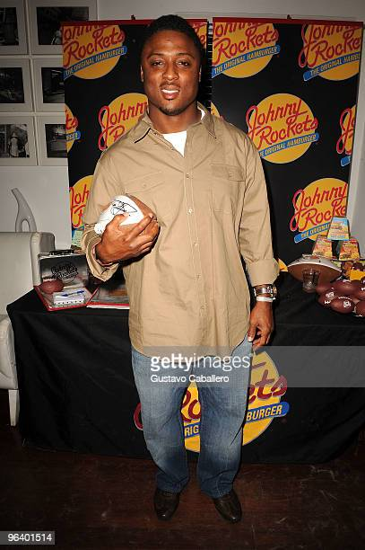 NFL player Warrick Dunn attends the GBK Gift Lounge at Player's Press PreSuper Bowl Party at Sagamore Hotel on February 3 2010 in Miami Beach Florida