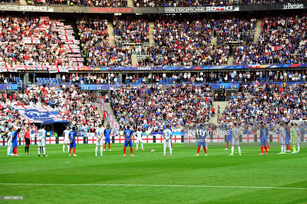 Players and fans respect one minute of silence in honnor of attacks in England before the International Friendly match between France and England at Stade de France on June 13, 2017 in Paris, France.